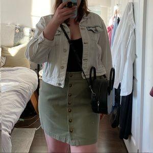 NWT High-waisted Button Up Skirt